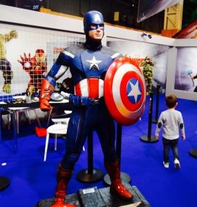 Le mini qui met un vent à Captain America [désolé vieux !]