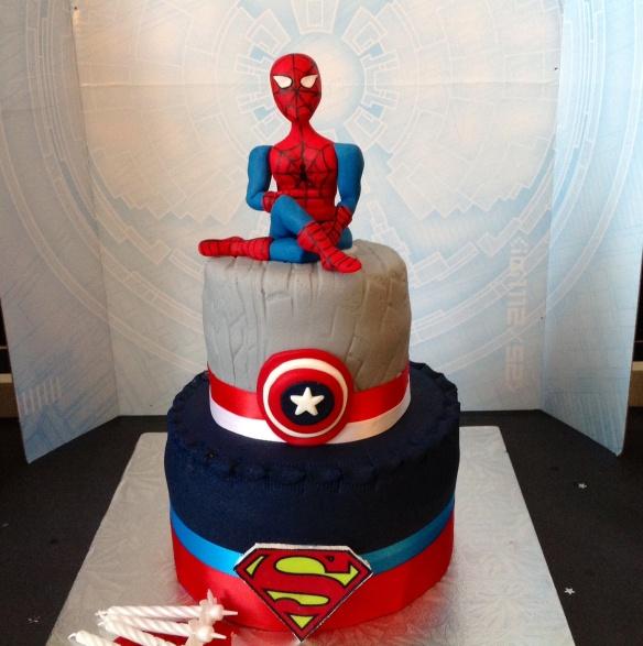 Le gâteau d'anniversaire Super-Héros de Mes Jolis Gâteaux by Humeur de moutard