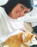 Selfie cat sitter